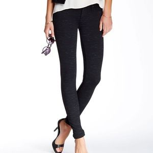 Mother | the Looker in Star Attraction skinny jean
